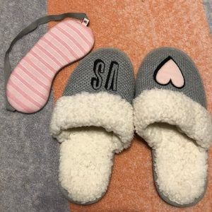 Slippers and mask set